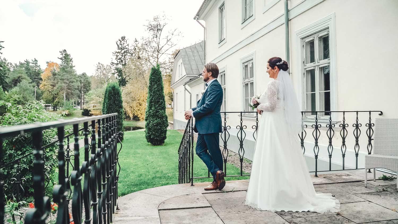 Pruut ja peig padise mõisas pulmapildid ja pulmavideo